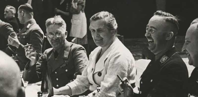 В конце лета 1942 года Гиммлер и Шелленберг понимали, что победы Германии скоро закончатся и ситуация для нее ухудшится.