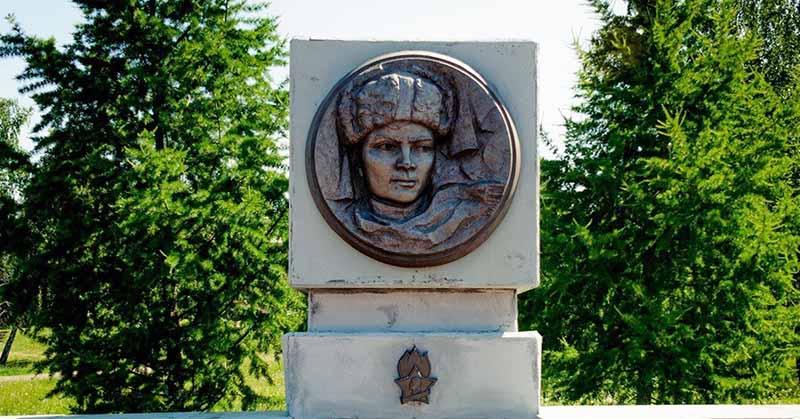 Валентин Котик был убит в феврале 1944 года, когда ему было 14 лет.