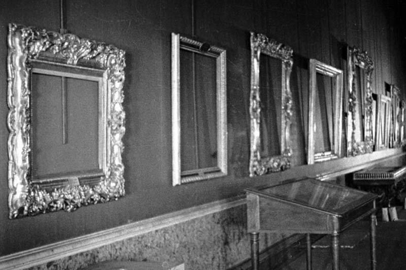 В 1932 году Сталин написал письмо в Эрмитаж о том, чтобы восточный сектор Эрмитажа не трогали с целью продажи картин