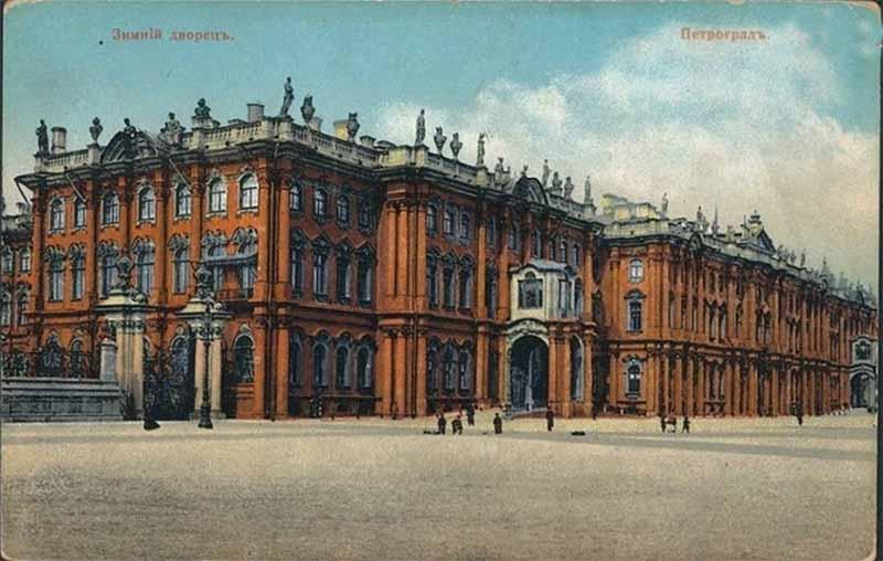 В Зимнем дворце находилась обширное собрание шедевров живописи со всего мира. С 1929 по 1932 годы