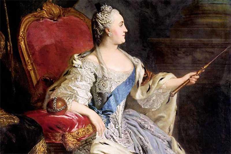 . Многим прислугам казалось, что вечером Екатерина II несколько добрее и улыбчивее.