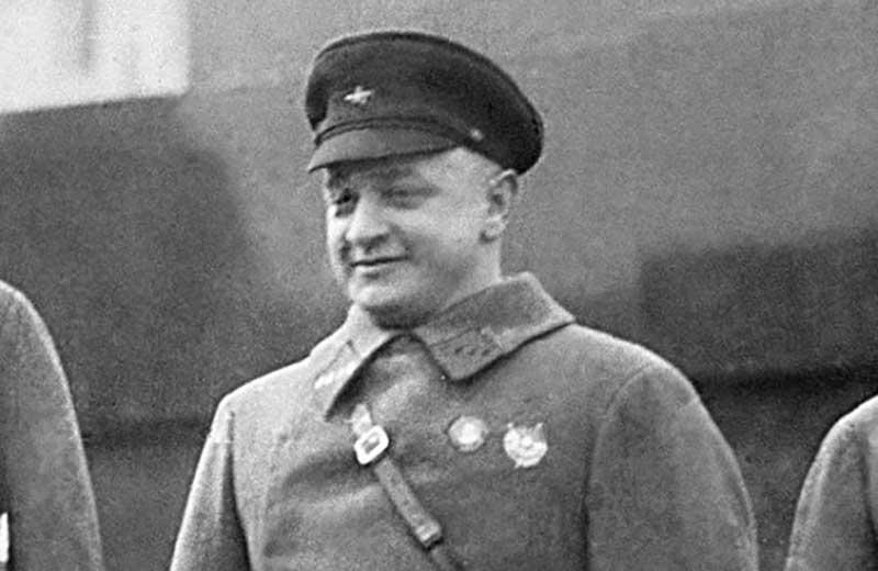 Биографию первой супруги Маршала Советского Союза Михаила Тухачевского можно рассказать за пару минут.