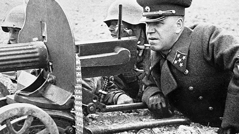 Первую характеристику Георгию Жукову дал Константин Рокоссовский в 1930 году.