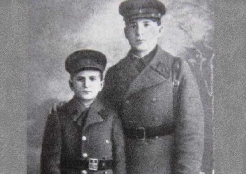 Петр Клыпа — юный защитник Брестской крепости, которому удалось выжить в бою, несмотря на свой возраст — 14 лет.