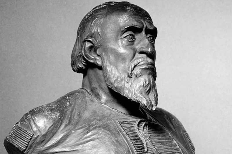 Волковский был убежден, что в рукуИвана Грозного держала «грамоту»
