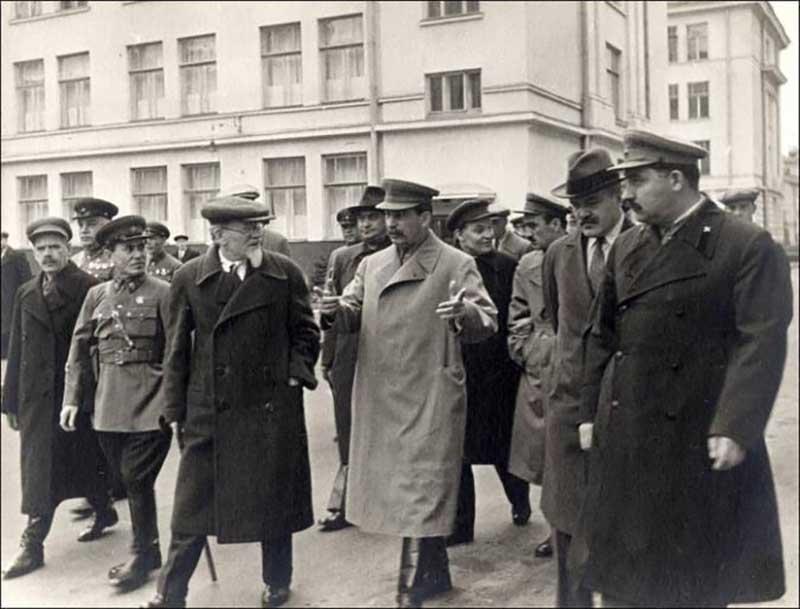 Курсант, охранявший Иосифа Сталина в конце 1920-х годов, ударил его по голове