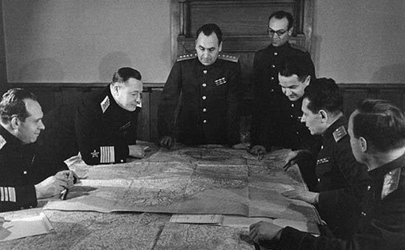 В Советском Союзе орден «Победа» вручали только маршалам-полководцам или генералиссимусам.