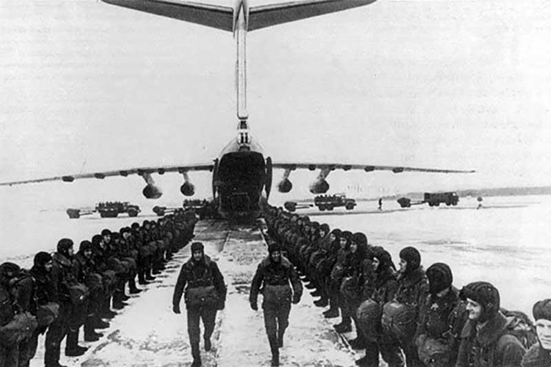 Служившие в ВДВ бойцы и люди, не имеющие отношения к воздушному десанту, примерно одинаково описывают свои эмоции во время повторного прыжка с парашютом