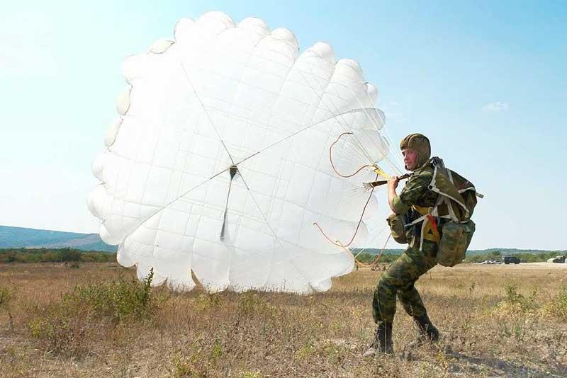 Ведь к парашютисту теперь приходит яркое и четкое понимание, что будет дальше
