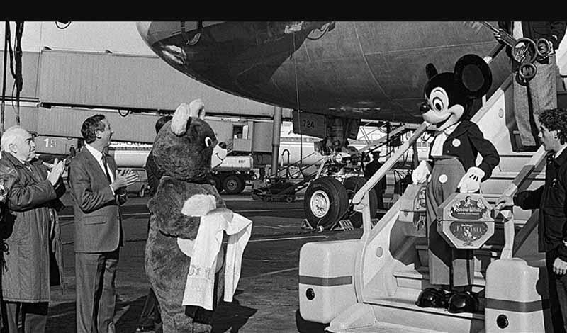 В октябре 1988 года в честь своего 60-летия Микки Маус совершил поездку в Советский Союз