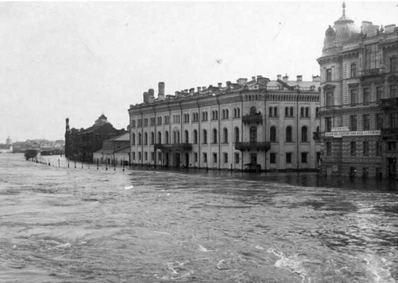 Одним из самых крупных наводнений в Москве стало затопление, которое произошло весной 1908 года, накануне Пасхи