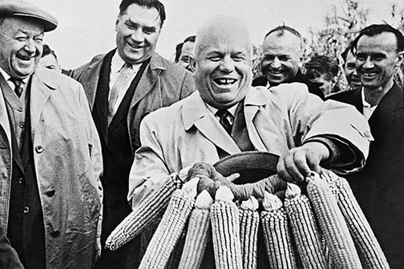нельзя сказать о действиях Никиты Хрущева в 1950-60-х годах.