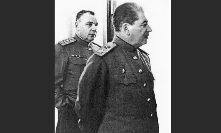 Николай Власик и Иосиф Сталин
