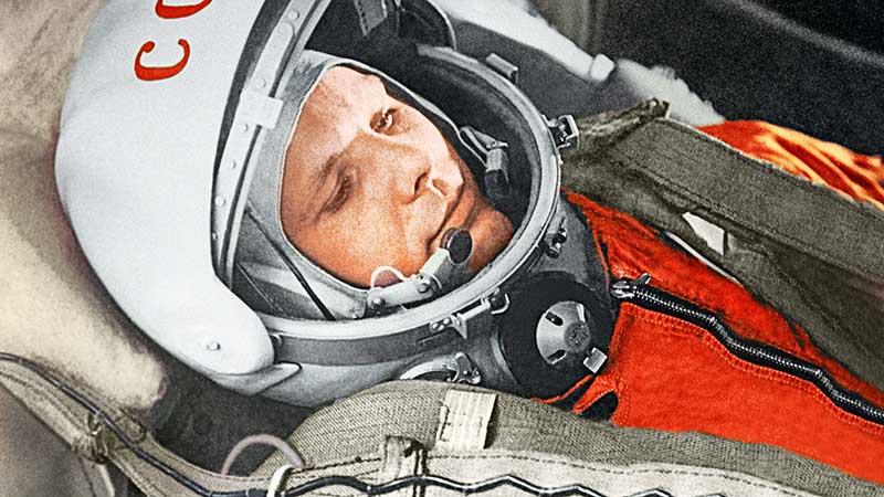 Так как Гагарин выполнил посадку вне аппарата, то его рекорд не смогла зафиксировать Международная федерация аэронавтики