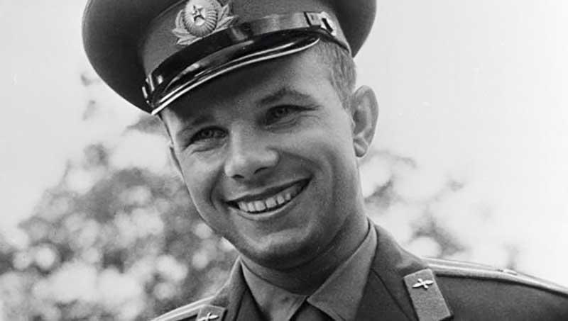 Личность легендарного космонавта Юрия Гагарина всегда была окружена большим числом сенсаций и неправдоподобных случаев