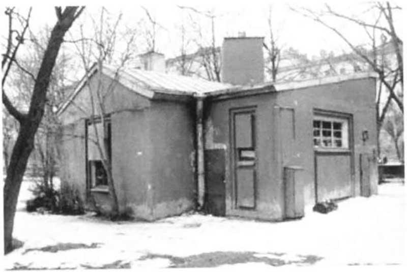В столице и Ленинграде начали строить общественные туалеты.