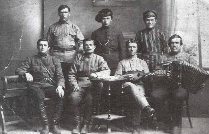 Хитроумный Василий Иванович, простодушный Петька и красотка Анка имели реальных прототипов в жизни.