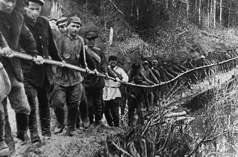 В марте 1953 году Лаврентий Берия объявил амнистию, в результате которой на свободе оказались более миллиона человек.