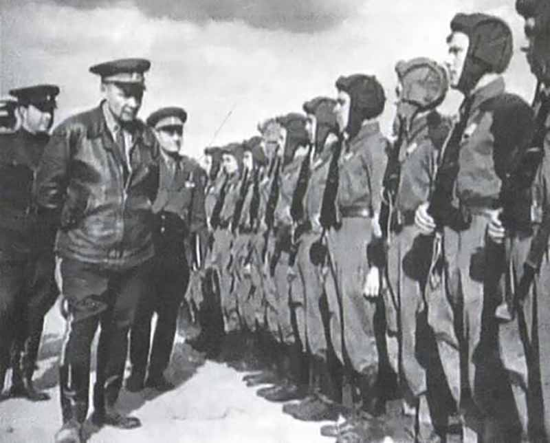 Спустя четыре года Маргелова призвали в ряды красноармейцев.